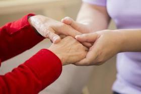 介護福祉士(サービス付高齢者向け住宅スタッフ/正社員、16-10時、手当)