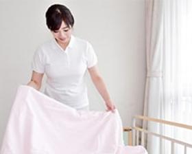 看護助手(☆無資格OK☆シーツ交換や清掃、備品管理♪看護師サポート♪)