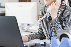 コールセンター・テレオペ(ケーブルTVに関する案内/シフト制週5日/10時~20時)