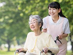 ヘルパー1級・2級(京都市、有料老人ホーム(83室)屋上庭園がある綺麗な施設)