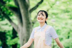 准看護師(三浦市、介護付きホーム、9~18時夜勤なし、週4~、車通勤可)